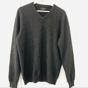 Club Room 100% cashmere sweater v neck pull over